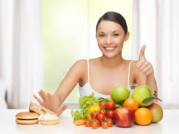 женщина и фрукты