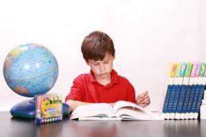 Какие факторы влияют на развитие личности