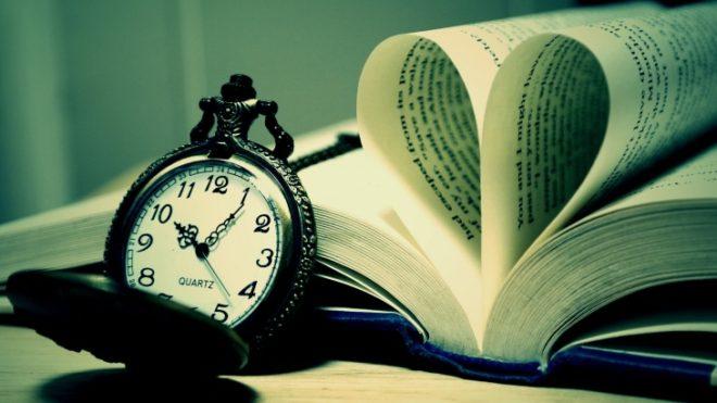 книга и часы